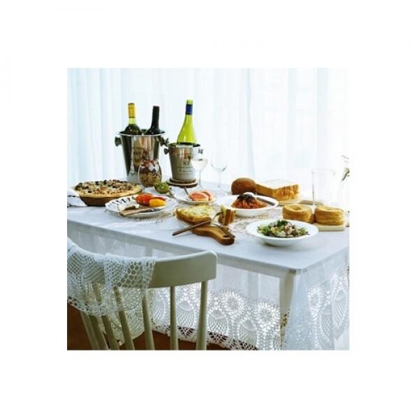 데일리스푼 화이트 레이스 식탁보 4인용 (137 x 180cm)